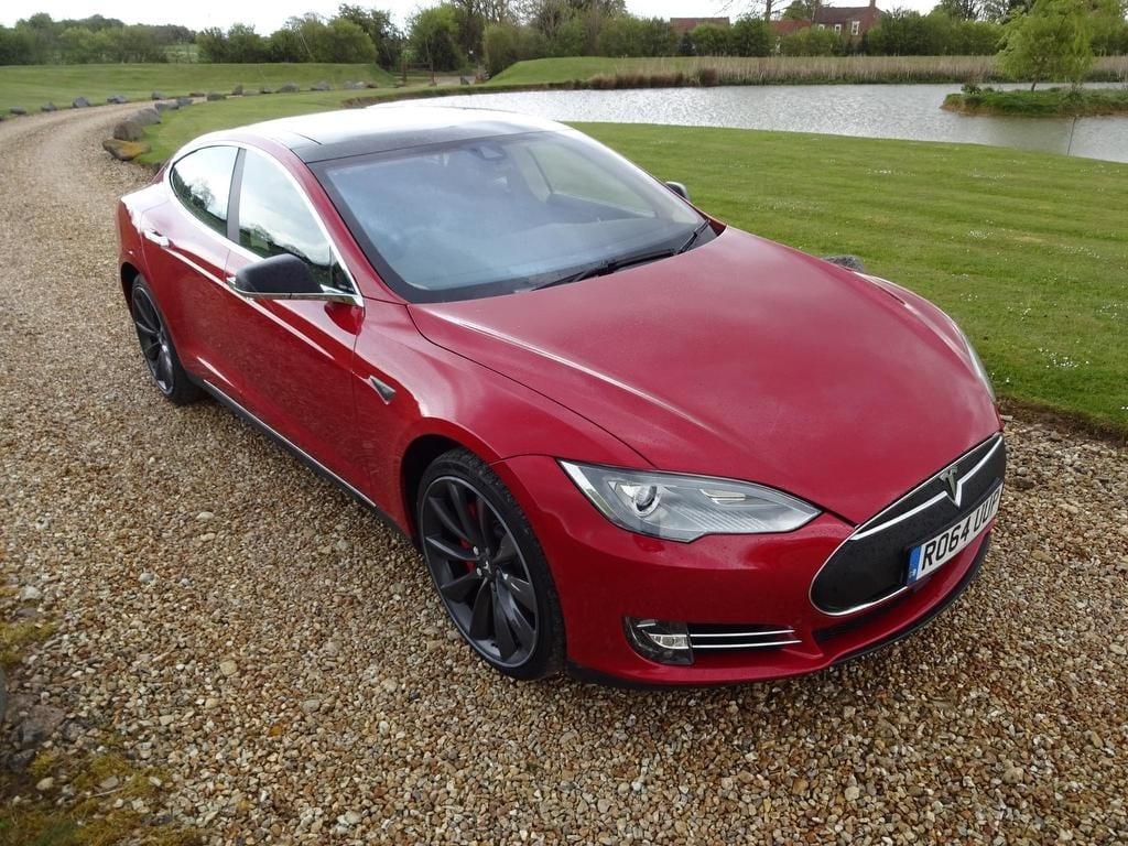 Tesla Model S E 85 AUTOPILOT & FREE CHARGING