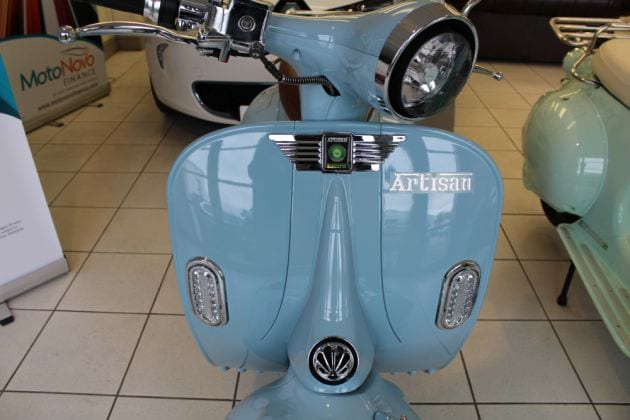 Artisan EV2000R Single Lithium Power Cell Electric Scooter